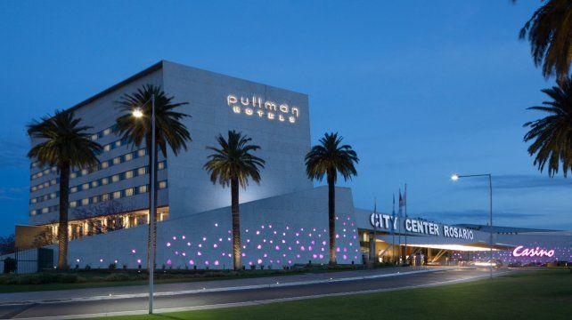 Las luces del hotel Pullman cinco estrellas del complejo City Center volverán a brillar a partir del viernes.