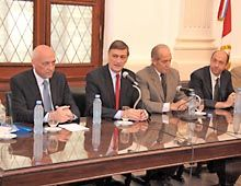 El gobernador recibió a intendentes santafesinos y Kirchner a Lifschitz