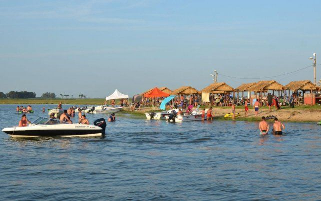 Ni acampar, ni pescar ni obviamente bañar se podrá en las distintas lagunas del distrito de Villa Cañás. Por ese motivo el balneario Virginia L. Díaz permanecerá cerrado al público.