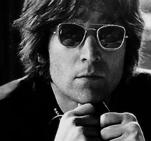 El cantante de The Beatles cada día canta mejor.