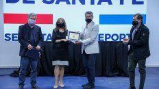 El senador nacional Roberto Mirabella y la secretaria de deportes Claudia Giaccone reconocieron a boxeadores santafesinos.