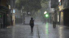 Lluvia torrencial sobre el microcentro. Recomiendan no deambular por la ciudad.