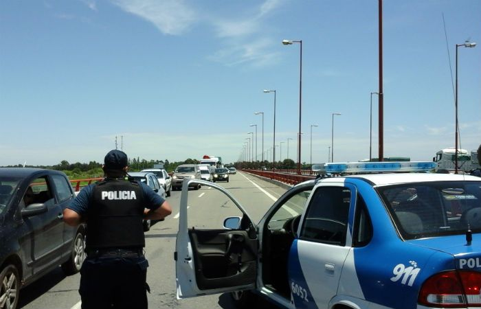 Los operativos de control d rutas se intensificaban esta tarde. (Foto: gentileza Diario Uno Santa Fe)