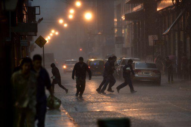 Renuevan el alerta por tormentas fuertes para Rosario y la región