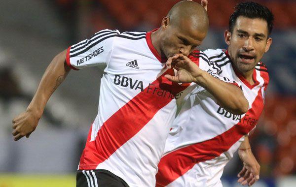 Sánchez festeja un gol millonario. River recién volverá a jugar el próximo domingo.