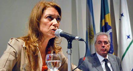 Crean una mesa chica para negociar una tregua en la crisis con Brasil