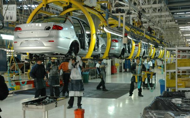 Impacto. Ratazzi (Fiat) reconoció que las ventas del sector cayeron más del 20% en marzo.