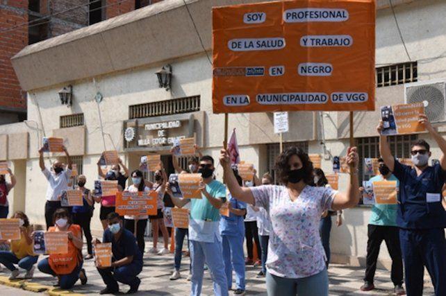 Villa Gobernador Gálvez. Los médicos lograron un aumento del 25% y un bono de tres mil pesos y las enfermeras uno del 37.5%