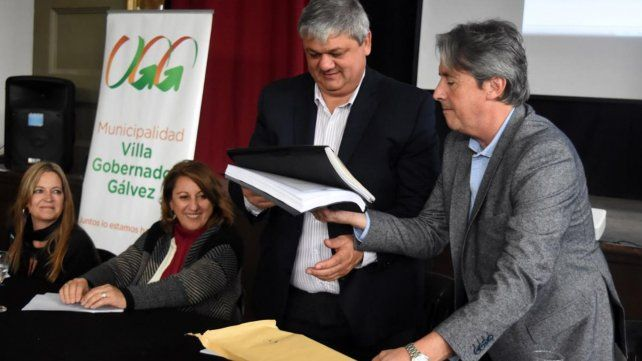 Después de 50 años, V. G. Gálvez pavimenta la avenida Libertador