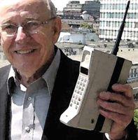 El teléfono móvil cumple 25 años