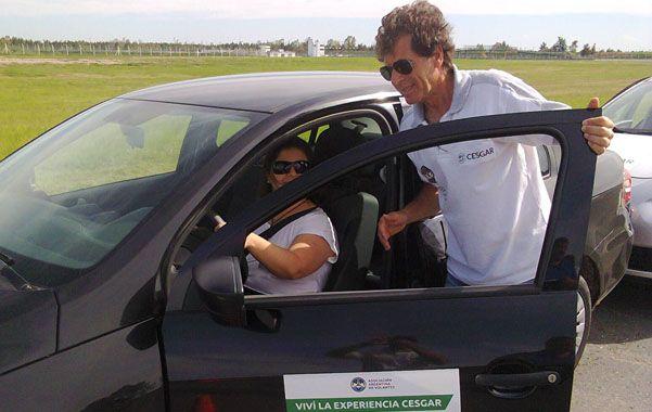 experto. El piloto profesional e instructor Fernando Croceri estuvo a cargo de la experiencia.