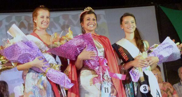 Camila Merlo fue elegida reina del carnaval de la ciudad de Esperanza