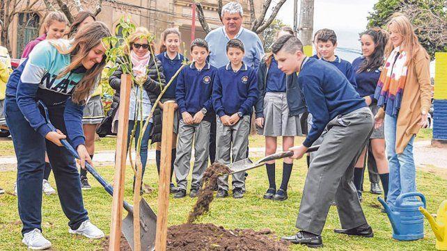 En acción. Los jóvenes y estudiantes jugaron un papel importante en este proceso.