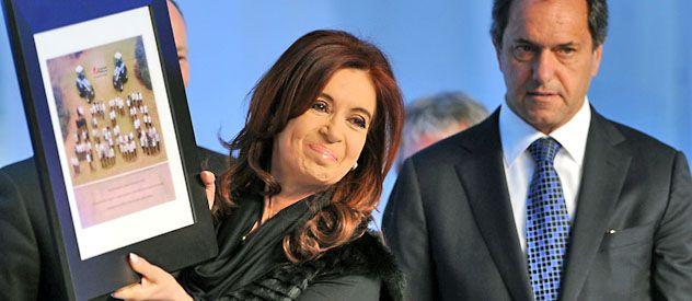 Cristina Fernández le enrostró a Scioli los aportes nacionales a la provincia de Buenos Aires.