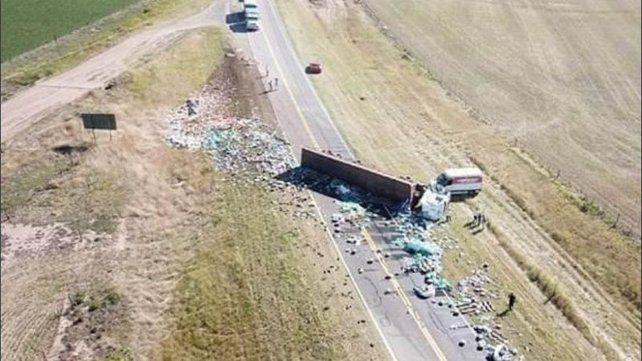 Murió un camionero en un impactante vuelco entre Casilda y Carcarañá