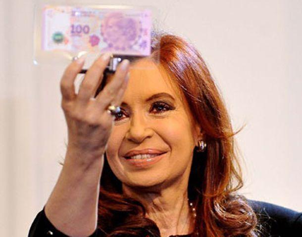 La presidenta en la presentación del nuevo billete de 100 pesos.