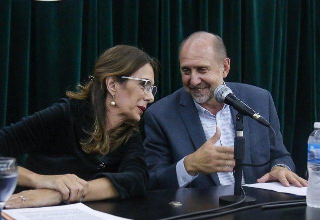 En sintonía. María Eugenia Bielsa y Omar Perotti encabezaron un seminario sobre salud pública.