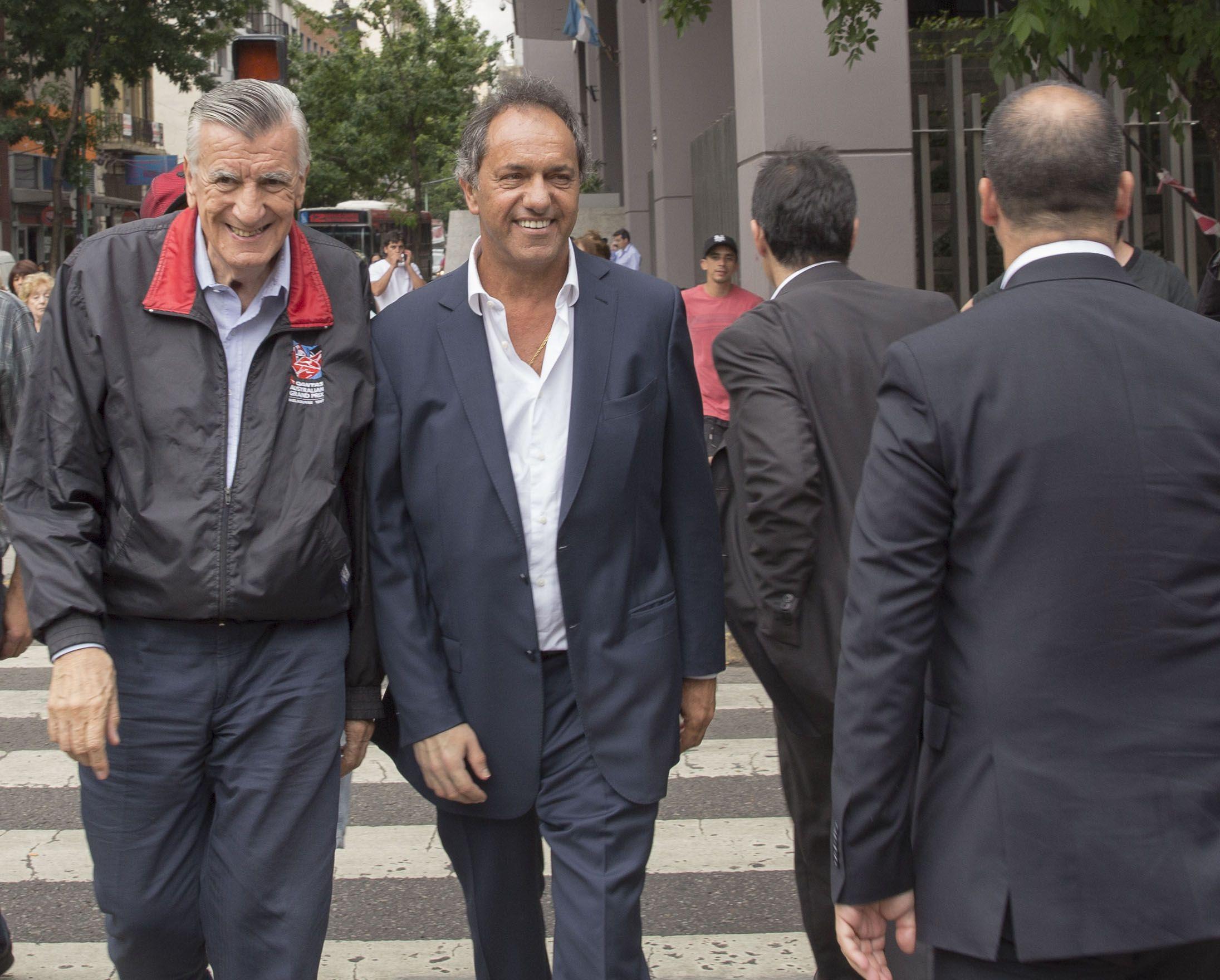 Gioja y Scioli procuran reestructurar al Partido Justicialista. La mayoría ve a Massa fuera del peronismo. (NA)
