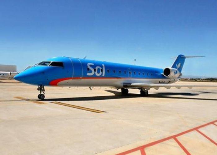 Uno de los aviones esta mañana en Fisherton. Todo parecía dispuesto para un día normal. (Foto La Capital/Celina Mutti Lovera)