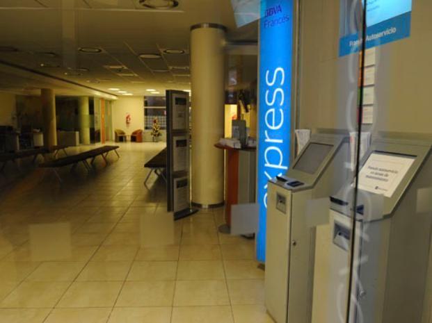 Los bancos que funcionan en la ciudad hoy no abrirán sus puertas. La mayoría de los comercios si