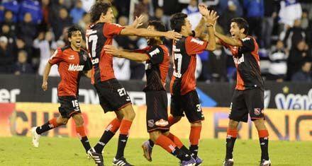 Newells logró un gran triunfo en Liniers con una destacada actuación