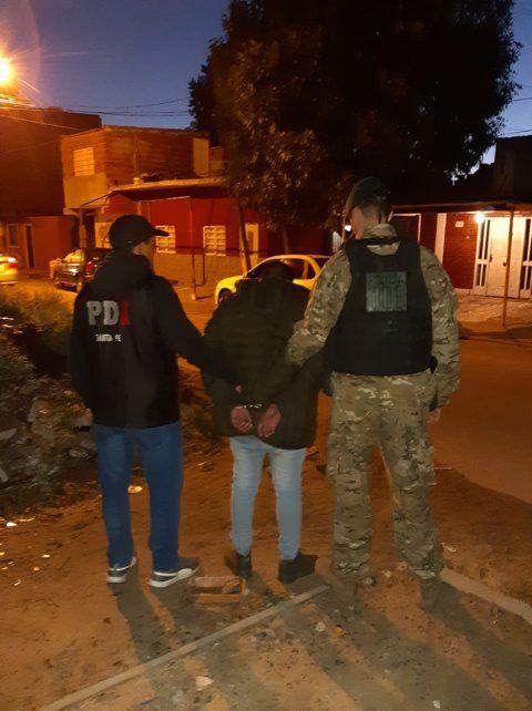 Detenidos y secuestro de un arsenal y vehículos por los asesinatos de Villa Banana