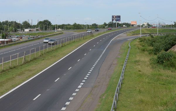 Peligroso. El acceso a Rosario por la autopista a Córdoba es escenario de atracos reiterados.
