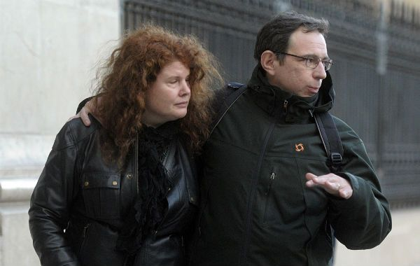 El padre de Angeles Rawson prestó declaración testimonial hoy en el juzgado que investiga el asesinato de su hija.