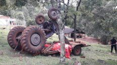 El tractor volcó y terminó aplastando a su conductor, un hombre de 70 años.
