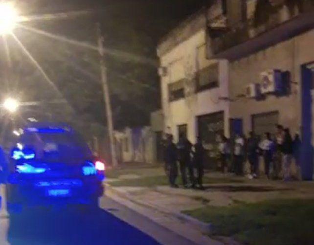Detenidos y autos remitidos al corralón en tres fiestas clandestinas en Rosario