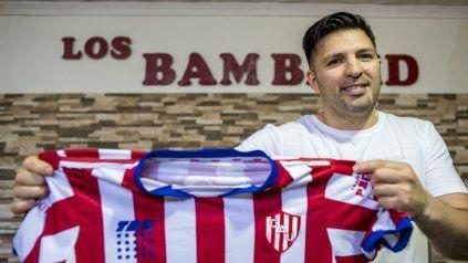 Claudio es la voz de Los Bam Band y fanático de Unión de Santa Fe. Este sábado canta en Paraná.