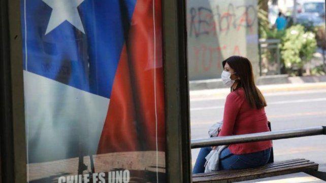 El sistema de salud chileno está al límite de su capacidad por el coronavirus