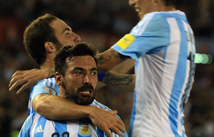 Desahogo. Lavezzi se quedó afónico gritando su gol