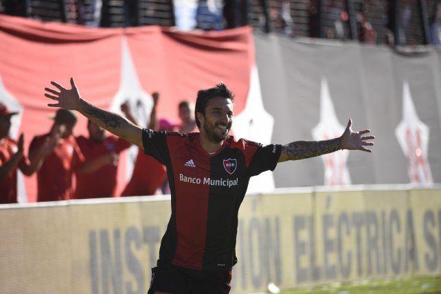 Newells liquidó a Vélez con buen juego y los inolvidables goles de Nacho Scocco