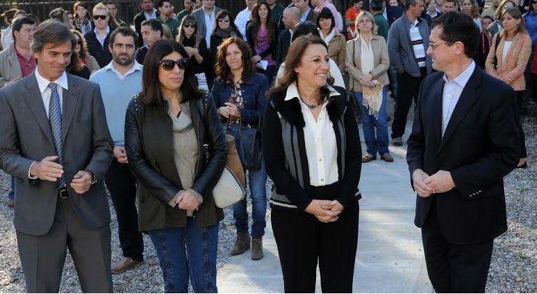 La intendenta Mónica Fein presentó el plan Todo empieza un día hoy en la Dirección General de Parques y Paseos.