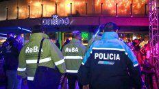 Bomberos de la Policía de la provincia de la Buenos Aires clausuraron el boliche Ananá ubicado en la zona de Playa Grande de Mar del Plata.