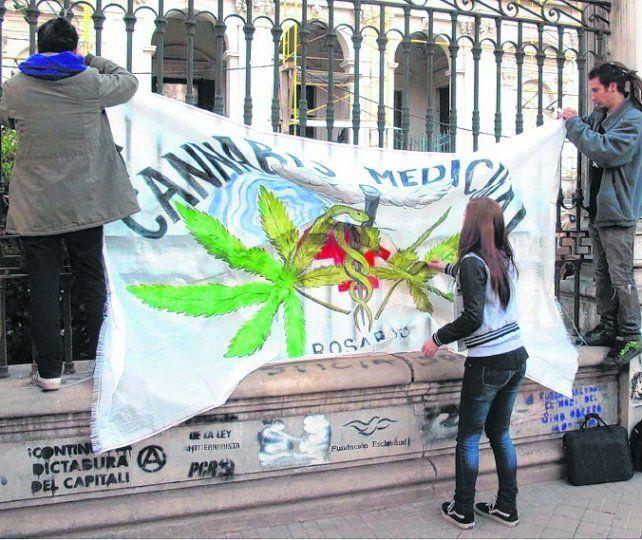 Una de las marchas en reclamo por la legalización del cannabis medicinal.