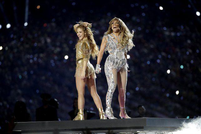 Cómo fue el show de Shakira y Jennifer López en el Super Bowl