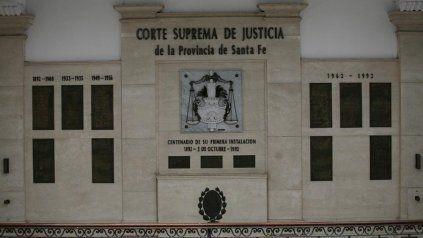 El planteo del senador alude a la competencia de la Corte para resolver conflictos de poderes.