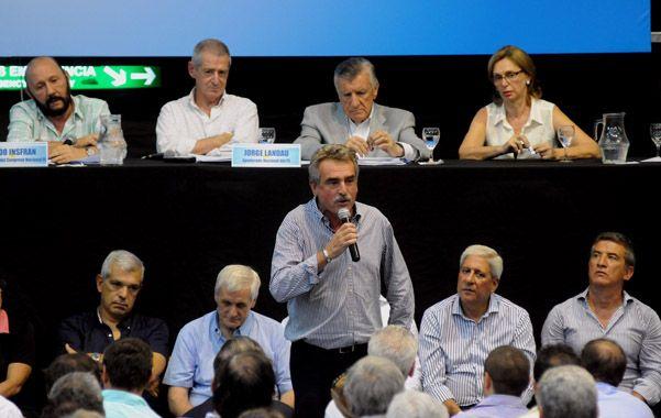 debate. Rossi se molestó por un intento de reforma de la carta orgánica.