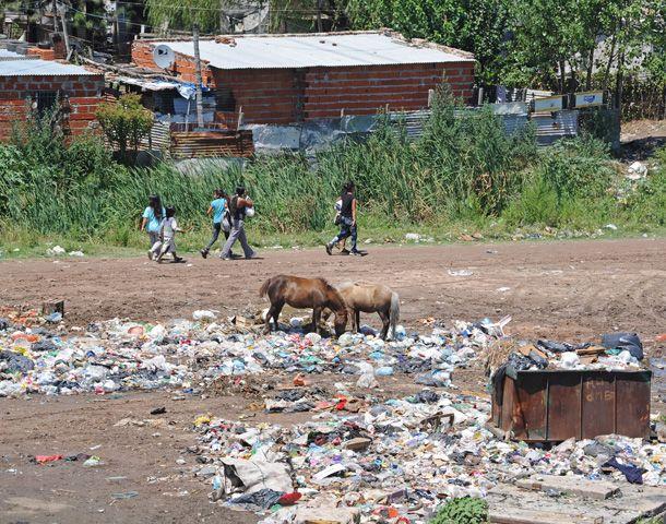 La UCA advirtió sobre el crecimiento de la pobreza en Rosario y el país. (Foto: S. Salinas)