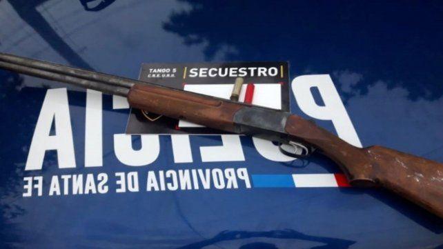 La escopeta calibre 16 con la que se perpetro el crimen.