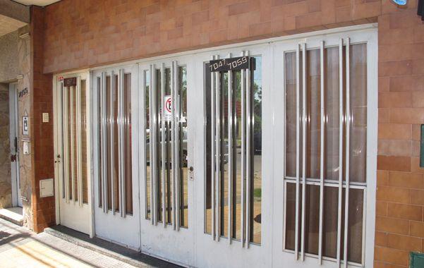 El violento episodio ocurrió pasadas las 21.30 del sábado frente a la casa de la chica situada en Eva Perón al 7000.