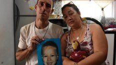 Los padres de Francesco, días después de su muerte. El hombre sería asesinado dos meses después.