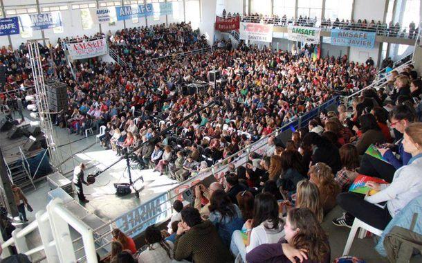 Un masivo encuentro reunió a más de 2.700 maestros y profesores de toda la provincia. (Foto: Amsafé provincial)