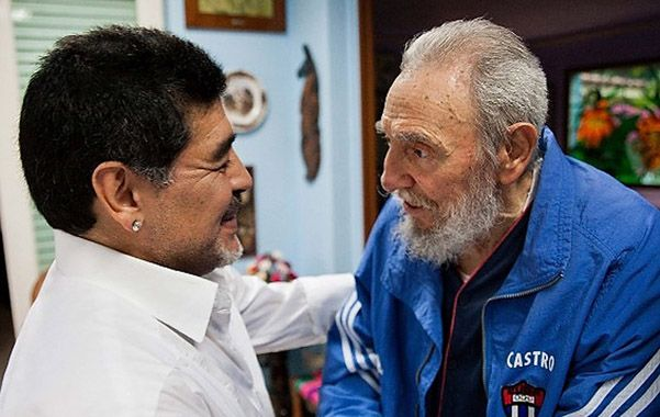 Dos potencias se saludan. Diego y Fidel conversaron cálidamente en la residencia del líder revolucionario.