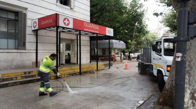 Un enfermero murió de coronavirus y sus colegas toman medidas de fuerza