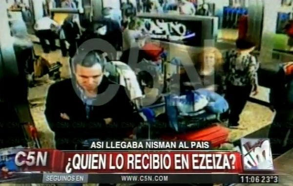 El video de las cámaras de seguridad del Aeropuerto de Ezeiza en las que se ve el fiscal Alberto Nisman fueron reveladas por C5N.