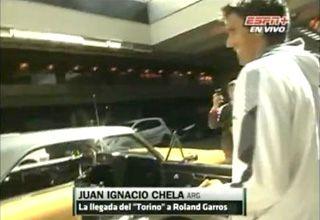 Chela llegó a la cancha a bordo de un Torino y es la sensación de Roland Garros (Video)
