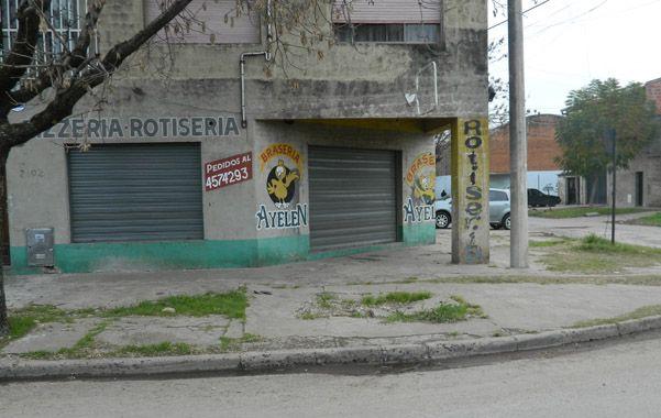 """Barrio Azcuénaga. La rotisería y brasería """"Ayelén"""" está en Matienzo al 2100 y fue asaltada la noche del sábado"""